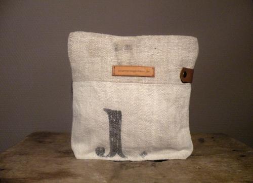 Handgemachte Leinentaschen,Umhängetaschen und Shopper aus Mehlsäcken von Susanne Vogelmann Handwerk