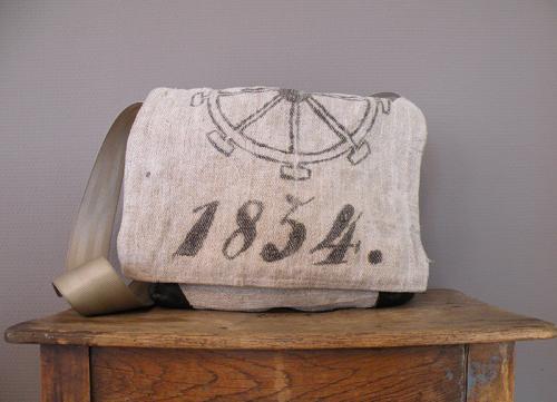 Robuste Vintage Taschen aus Mehlsäcken von Susanne Vogelmann Handwerk in Schwäbisch Gmünd